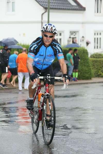 Auch-im-Regen-mit-dem-Rad