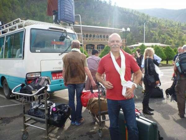 Koffer-auf-die-Busse-und-weiter