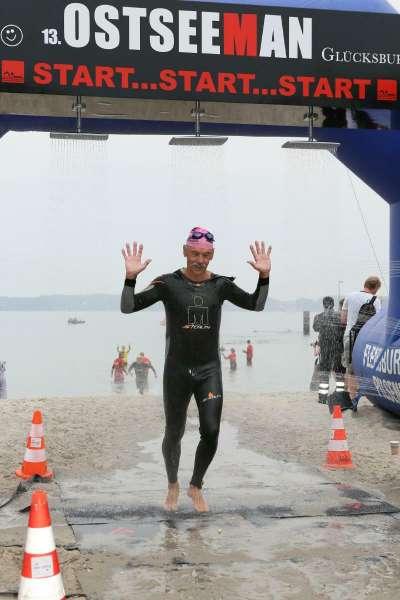Ostseeman-3,8-km-Schwimmen-geschafft